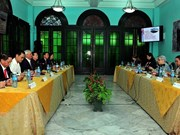 越南与古巴就政策制定和经济管理与监督领域进行经验交流