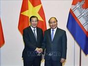 阮春福总理会见柬埔寨与老挝高级代表团