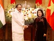 越南国家副主席邓氏玉盛与印度副总统奈杜举行会谈