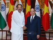 阮春福总理会见印度副总统、联邦院议长文卡亚•奈杜