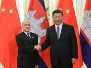 中国与柬埔寨和新加坡加强合作关系