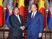 政府总理阮春福会见柬埔寨王国国会主席韩桑林