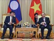 阮春福会见老挝总理通伦·西苏里