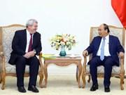越南政府总理阮春福会见捷克众议院副议长菲利普