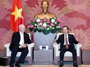 越南国会副主席冯国显:越南为外国投资商对越投资创造便利条件