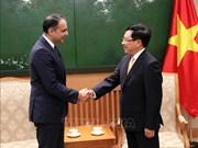越南政府副总理兼外交部长范平明会见亚洲开发银行副行长赛义德