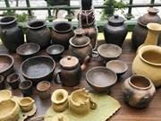 力争将崑嵩省巴拿族的陶器打造成旅游产品