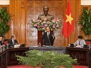 越南政府总理阮春福会见新加坡企业代表团