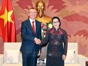 越南国会主席阮氏金银会见拉脱维亚外长林克维奇斯