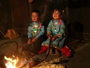组图:西北山区孩子喜迎新春