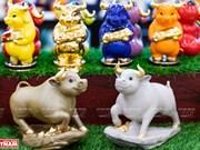 组图:水牛瓷雕像 - 2021 辛丑年吉祥物