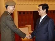 越南政府总理会见新加坡国军总司令