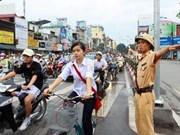 2013年越南注重提高人民遵守交通规则意识