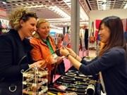 越南参加意大利佛罗伦萨国际手工艺品展