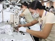 越南着力加强工人权利和提升工会履职能力