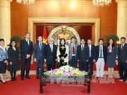 越南国会副主席会见日本国会参议员武见敬三