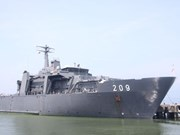 新加坡海军军舰访问越南岘港市