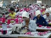 2013年柬埔寨与欧盟的双向贸易总额达27亿美元