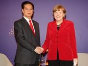越南政府总理阮晋勇会见德国总理