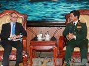 越南人民军副总参谋长会见欧洲对外行动局执行经理