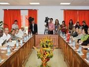 阮晋勇总理会见古巴国会主席埃斯特万