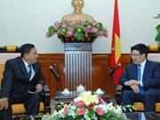 越南政府副总理兼外长范平明会见缅甸驻越南大使