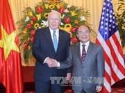 越南国会主席阮生雄同美国参议院临时议长帕特里克举行会谈