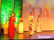 旅居比利时越南人一向心系越南祖国家乡海洋海岛