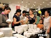 越南商品展销会向消费者推介越南优质商品