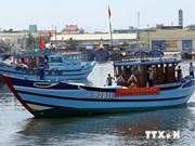 越南薄寮省渔民积极且坚持出海进行捕捞作业