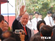 美国前总统比尔·克林顿访问越南