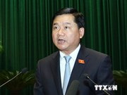越南交通运输部长:芹苴市应支持重点交通项目的展开