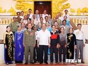 越南政府副总理阮春福会见得乐省爱国囚犯协会代表团