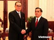 朝鲜外务相李洙墉访问老挝
