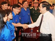 """越南国家主席会见""""遵从胡伯伯教导的先进青年""""代表团"""