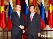 越南政府总理阮晋勇会见俄罗斯国家杜马主席纳雷什金