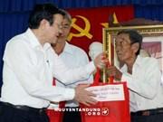 越南国家主席张晋创视察隆安省