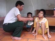 越南北江省确保贫困者和橙毒剂受害者欢度春节