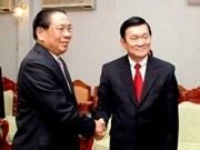 老挝主席朱马利•赛雅贡会见越南高级代表团