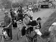 """关于河内市""""战争时期——和平时期""""的珍贵图片(组图)"""