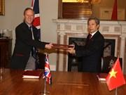 组图:《越南与英国自由贸易协定》正式签署