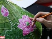 组图:将莲叶打造成为艺术作品