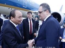 阮春福总理抵达莫斯科开始对俄访问 与俄罗斯总理梅德韦杰夫举行会谈