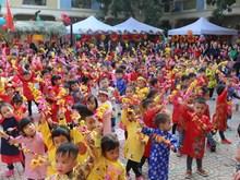 越南全国各地举行多彩活动 迎接2019年春节(组图)