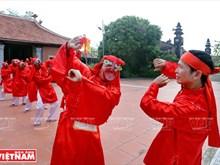 """越南清化省艺人努力保留 """"春谱舞蹈""""(组图)"""