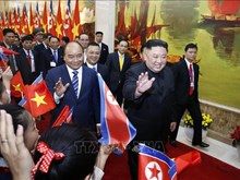 政府总理阮春福和国会主席阮氏金银会见金正恩(组图)