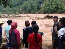 莱州老街等省突降暴雨引发洪水造成重大损失(组图)
