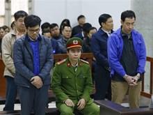 平山石化公司四名原领导滥用职权侵占财产被判处25年监禁
