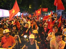 AFF Suzuki Cup 2018:越南球迷庆祝国足完胜菲律宾球队(组图)