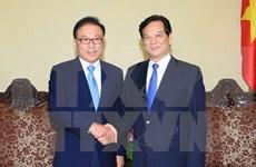 越南政府总理阮晋勇会见越南驻釜山名誉领事朴秀冠